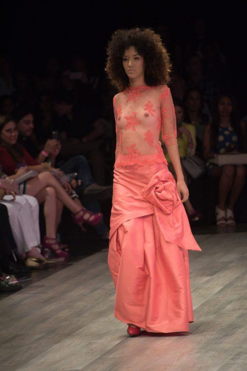 Conjunto falda larga y top transparente